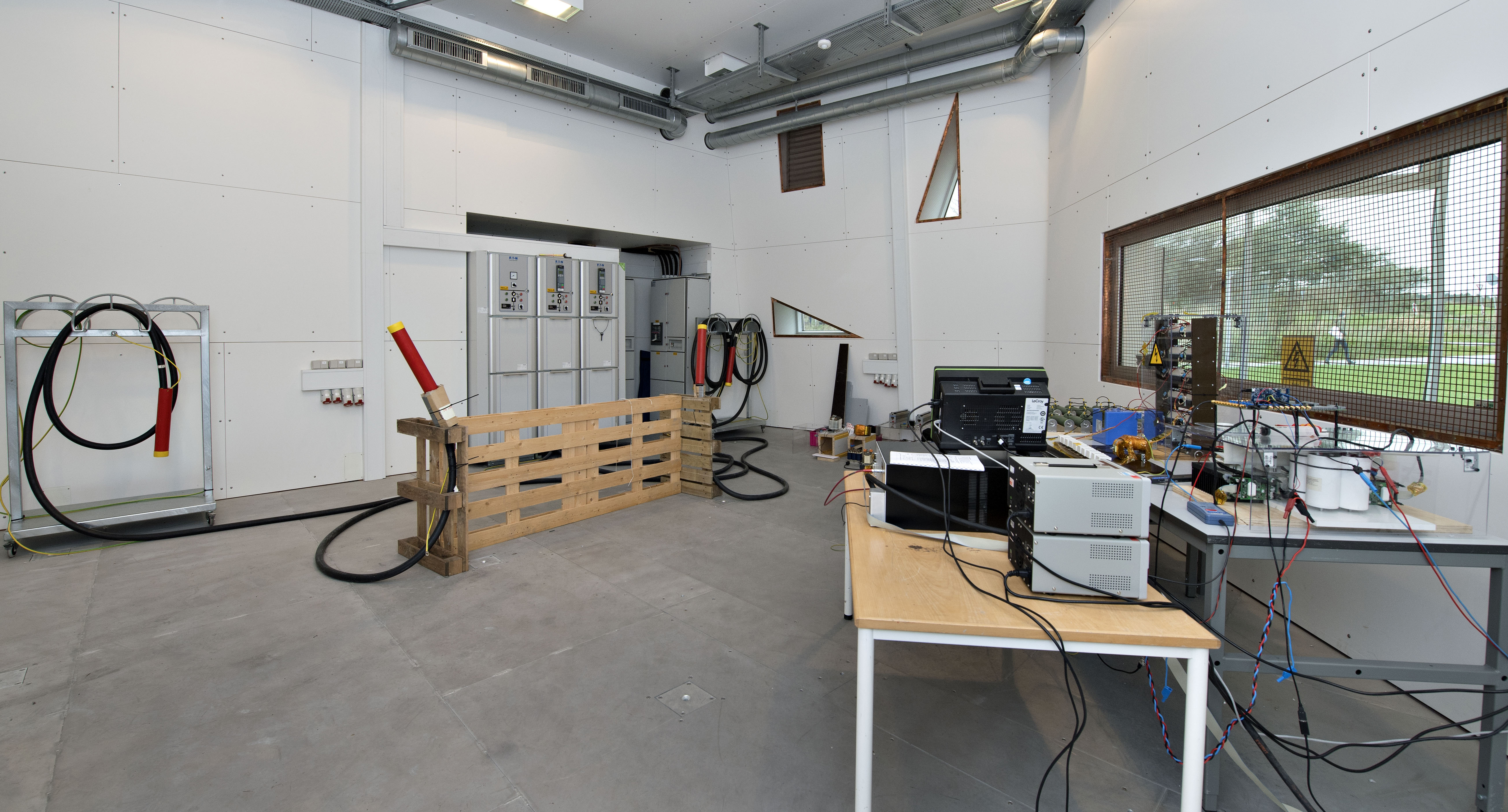 Test room for safe testing of devices connected directly to the power grid. Rated power 2 MVA.